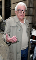 Barry Cryer _ 7500