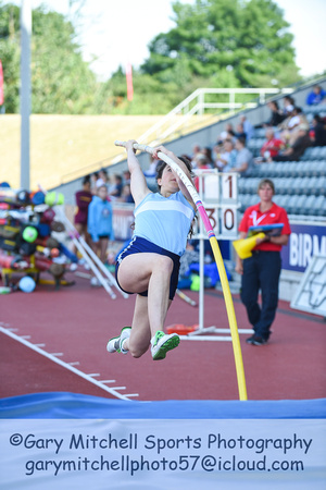 Inter Girls Pole Vault _ 17976