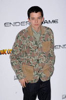 Asa Butterfield _ 10537