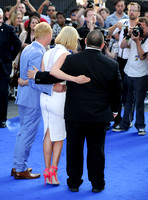 Nick Frost _ Rosamund Pike  _  Simon Pegg _  7862